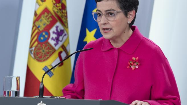 Arancha González Laya, en rueda de prensa telemática en el Palacio de la Moncloa.