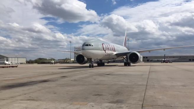 El segundo avión con material sanitario comprado por Ayuso llega a Madrid