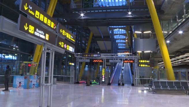 La Terminal 4 del Aeropuerto Adolfo Suárez, vacía por el confinamiento