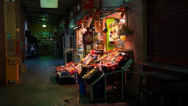 Mercado de abastos de Triana (Sevilla) en el tercer día de alarma, 17 de marzo del 2020.