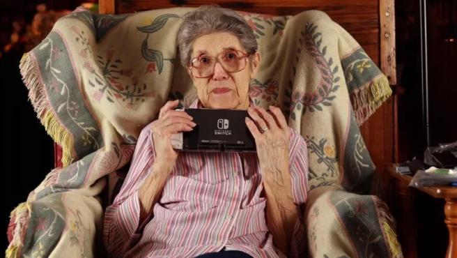 Audrey, la anciana que lleva más de 4.300 horas jugadas a 'Animal Crossing: New Leaf'.