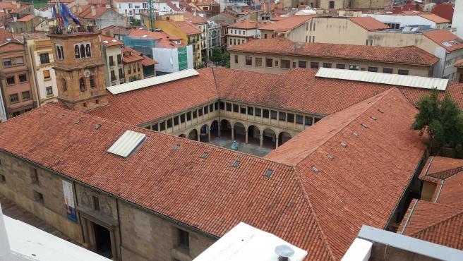 Claustro de la Universidad de Oviedo. Edificio Histórico.