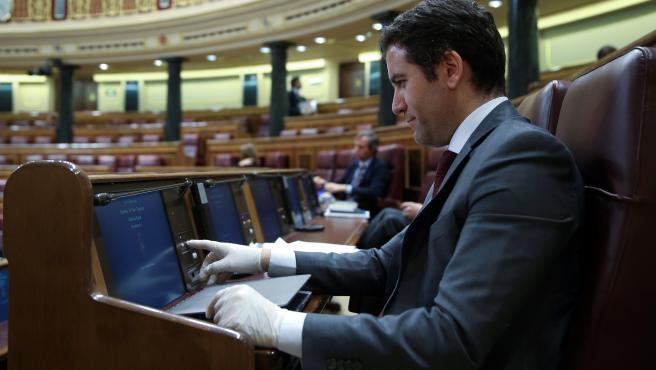 El secretario general del PP, Teodoro García Egea, durante el Pleno del Congreso que acordó prorrogar el estado de alarma hasta el próximo 11 de abril. En Madrid (España), a 25 de marzo de 2020.