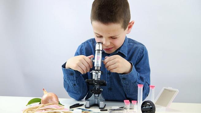 Con este microscopio de Buki France podrán dar sus primeros pasos en la ciencia.