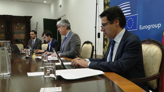 Centeno preside la reunión por videoconferencia del Eurogrupo
