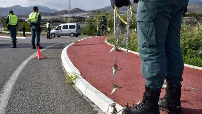 Control de la Guardia Civil en Almería para evitar los traslados a segundas residencias.