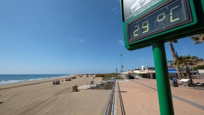 Playa de Maspalomas (Gran Canaria), desiertas durante Semana Santa por el estado de alarma del coronavirus.