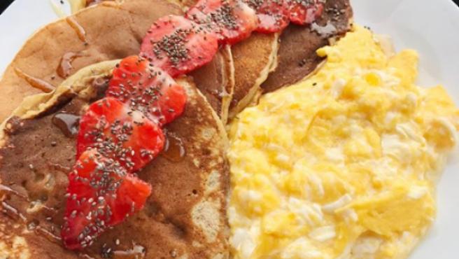 Pancakes o tortitas americanas.