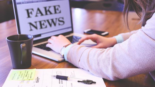 Los expertos no se ponen de acuerdo en si se pueden sancionar las fake news con el Código Penal