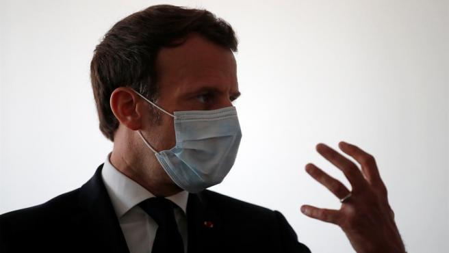 """El presidente francés, Emmanuel Macron, anunció este lunes la prolongación de las actuales reglas de un """"confinamiento estricto"""" hasta el 11 de mayo, una fecha a partir de la cual se reabrirán """"progresivamente"""" las guarderías y centros educativos preuniversitarios, como escuelas infantiles, colegios e institutos."""