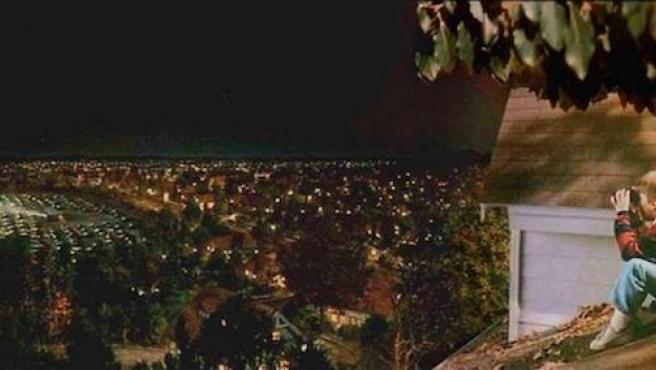 Amazon Prime Video monta cines sobre ruedas para ver desde los balcones de Madrid