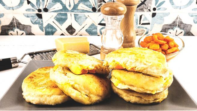 Tortitas de patata rellenas de vegetales y queso