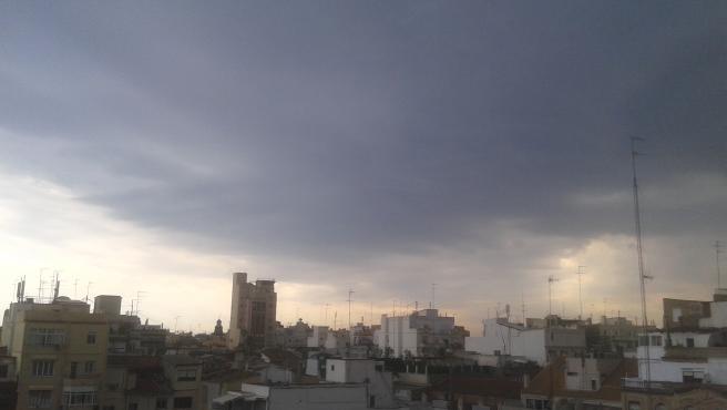La ciudad de València nublada