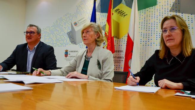La consejera de Educación de Cantabria, Marina Lombó (Centro), participa en la sectorial de Educación
