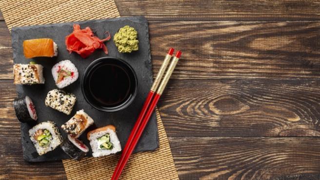 El sushi es una de las comidas más pedidas a domicilio.