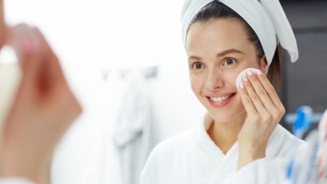 La limpieza de la piel es fundamental para un lucir una dermis perfecta.