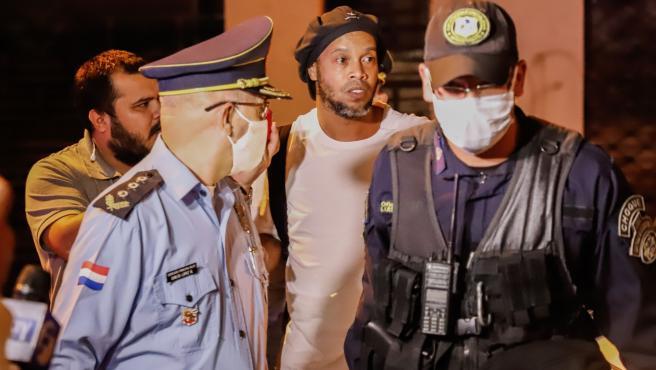 Ronaldinho, a su salida de la cárcel.