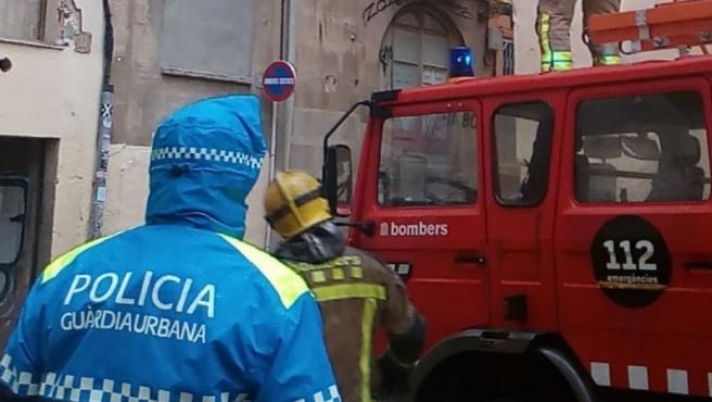 A prisión por provocar un incendio y agredir a policías y bomberos en Reus (Tarragona)
