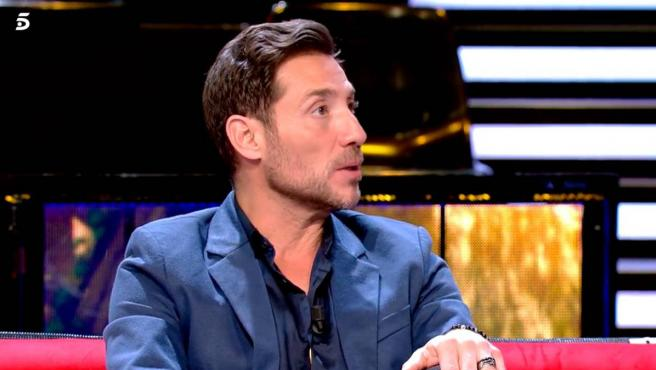 El colaborador de televisión Antonio David Flores, en el plató de 'Supervivientes'.