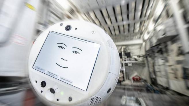 CIMON-2, una nueva versión empática del robot.