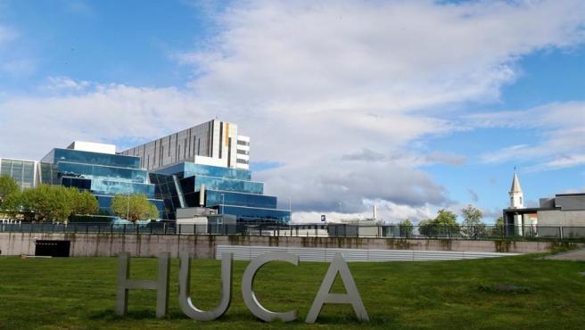 Vista del Hospital Universitario Central de Asturias (HUCA), donde trabaja la mujer acosada por sus vecinos.