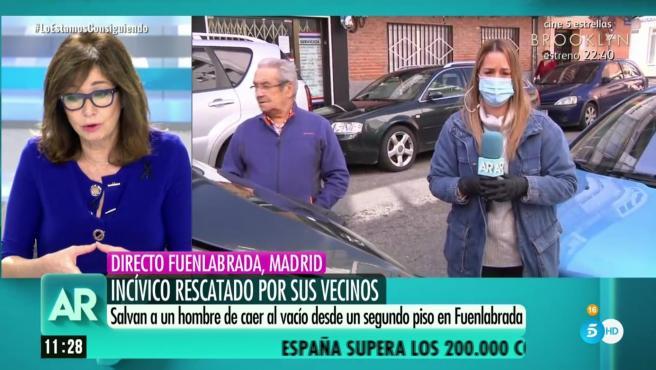 Un equipo de 'El programa de Ana Rosa' cubre una noticia en Fuenlabrada.