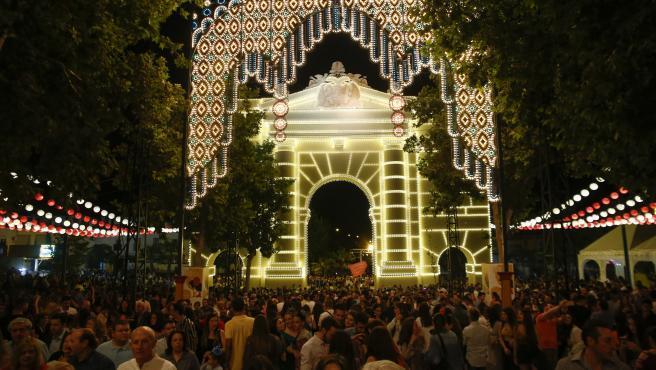 Inauguracion de la feria del Corpus 2019 en Granada con el encendido del recinto.
