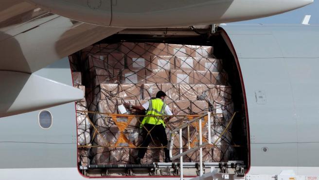 Llegada de un nuevo avión con material sanitario a la Comunitat Valenciana