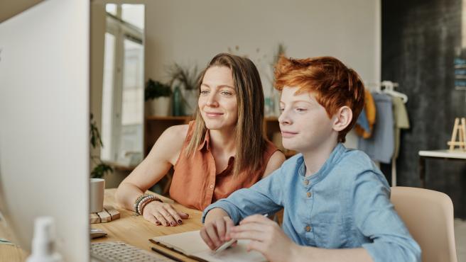 Los juegos 'online' se han convertido en una de las actividades más practicadas por los niños estos días.
