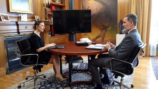 Felipe VI reunido con Yolanda Díaz, ministra de Trabajo.