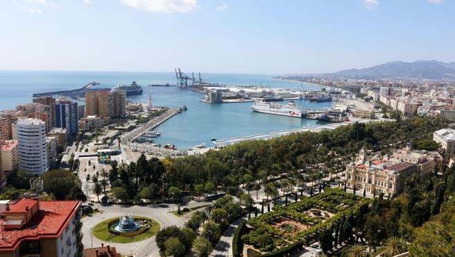 Vistas de calles y avenidas vacías por el Estado de Alarma por el Gobierno español a causa de la pandemia del COVID-19. . Málaga a 29 de marzo del 2020