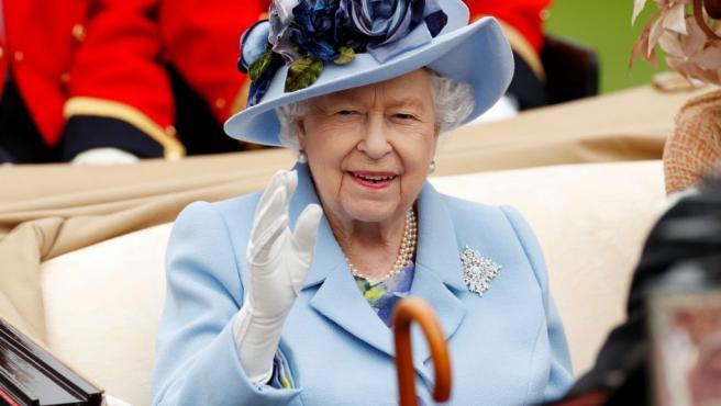 La Princesa Ana Ensena A Su Madre La Reina Isabel Ii A Hacer Videollamadas