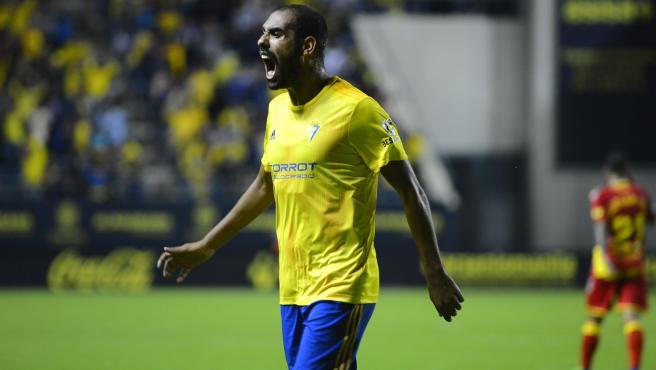 Fali, jugador del Cádiz, durante un partido.