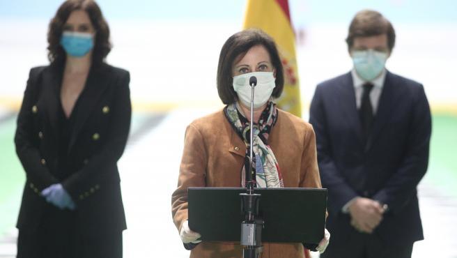 La ministra de Defensa, Margarita Robles, en el cierre de la morgue del Palacio de Hielo.