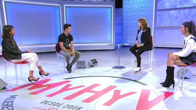 En el centro, Kiko Jiménez y Toñi Moreno en 'MYHYV'.