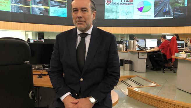 El consejero de Justicia, Interior y Víctimas, Enrique López, en la sede del 112 Madrid, cuya respuesta a la crisis coordina.