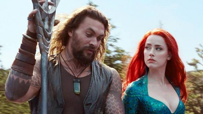 'Aquaman' es masacrada en redes por felicitar el cumpleaños a Amber Heard