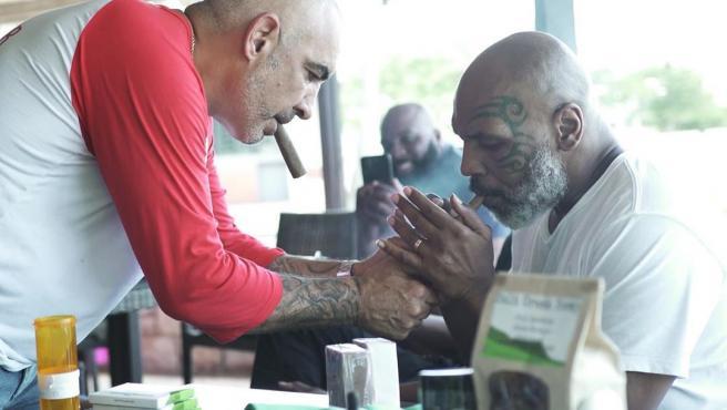 David y Tyson, en una imagen compartida en redes sociales.