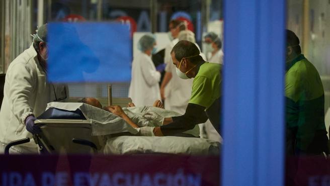 EL COMPLEJO HOSPITALARIO DE NAVARRA CONTINÚA TRABAJANDO A DESTAJO CONTRA EL CORONAVIRUS