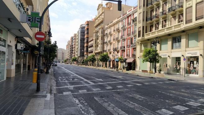 Calle buida en el centre de València