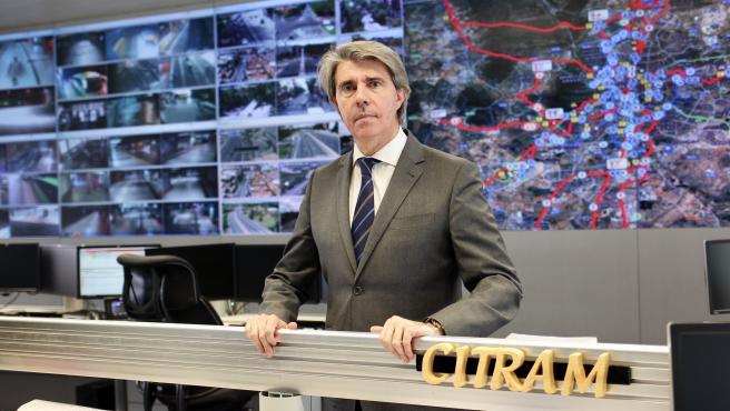 El consejero de Transportes, Movilidad e Infraestructuras de Madrid, Ángel Garrido, en la sede del Consorcio Regional de Transportes.