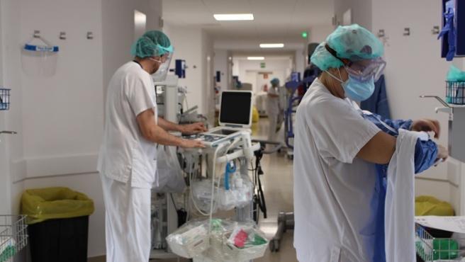 El hospital ha puesto en marcha una nueva área de cuidados intensivos y semiintensivos permanente destinada a pacientes con coronavirus