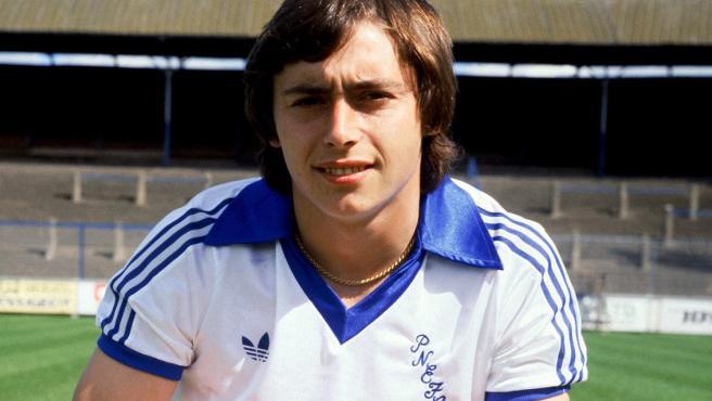 De 1975 a 1979. Robinson jugó 48 partidos y marcó 15 goles.