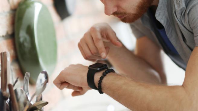 El reloj que hoy ha rebajado Ebay cuesta 58 euros.