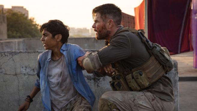 Disparos con corazón: 'Tyler Rake' es más 'John Wick' que '6 en la sombra'
