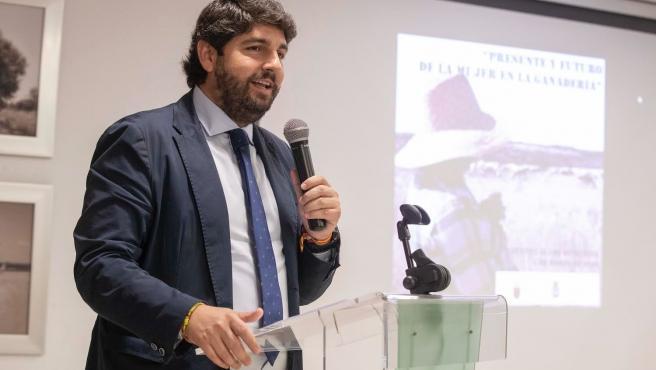 López Miras, durante la inauguración de la Jornada 'El trabajo diario de la mujer ganadera'