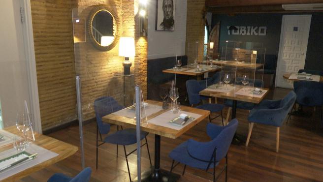Restaurante en València instala mamparas para su apertura a clientes
