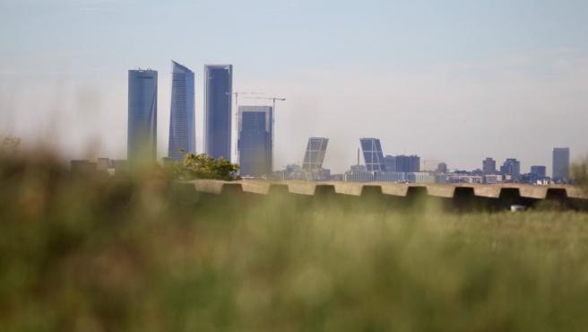 Skyline de Madrid con las torres Kio y el Área de Negocios de las Cuatro Torres