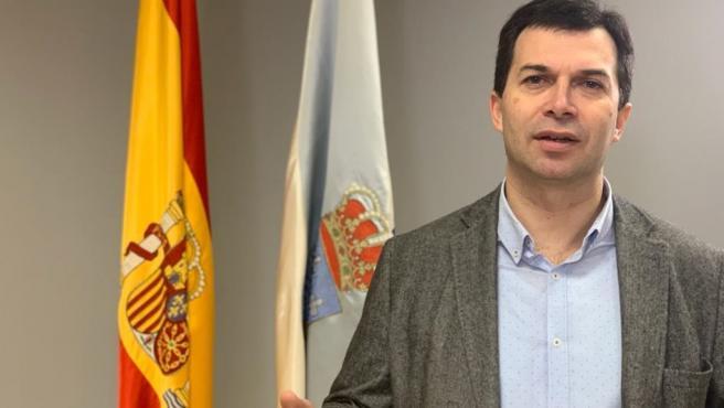 El secretario xeral del PSdeG, Gonzalo Caballero, en rueda de prensa en la sede del PSdeG