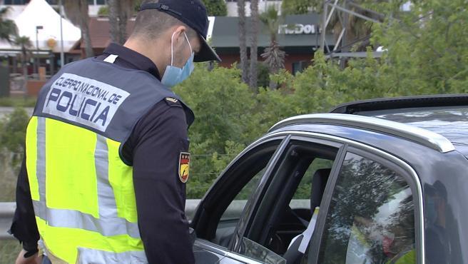 Policía Nacional intensifica controles de carretera a las puertas del puente del 1 de Mayo